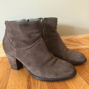 Steve Madden Milaan grey suede western ankle boots